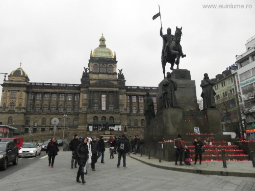 muzeul-national-si-statuia-sf-wenceslas